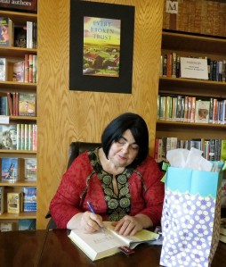 Linda Rodriguez signing my copy of her newest book, Every Broken Trust